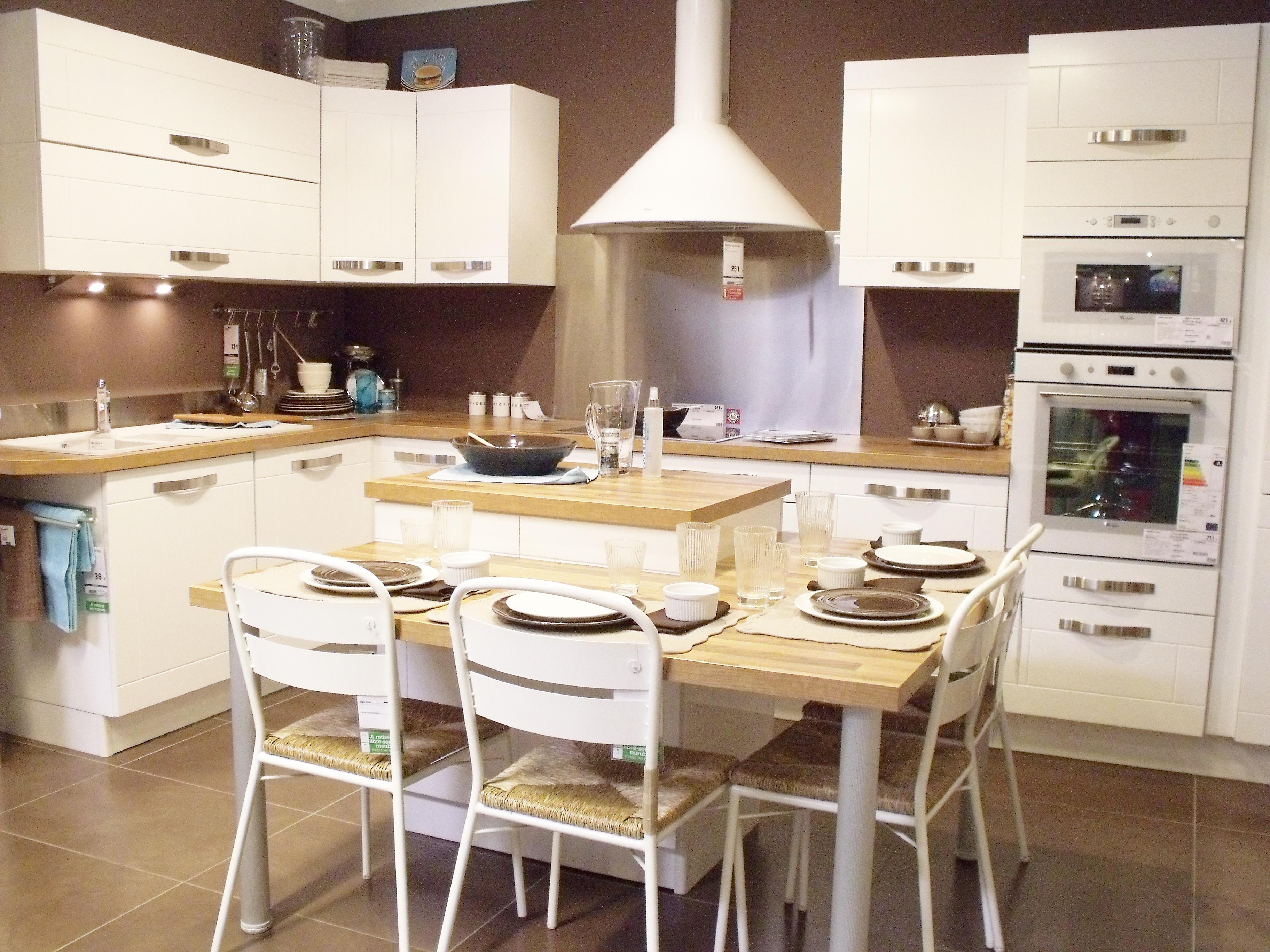 D coration d une cuisine r tro for Plaque deco cuisine retro